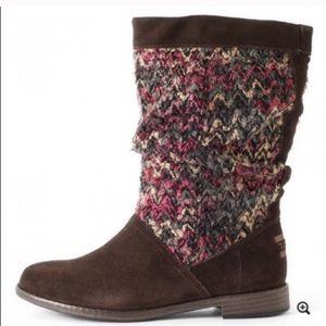 TOMS Serra dark brown suede boots